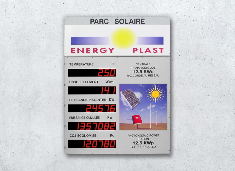 Anzeigetafel Solarpark Photovoltaik-Anlage - Darstellung des erzeugten Stroms