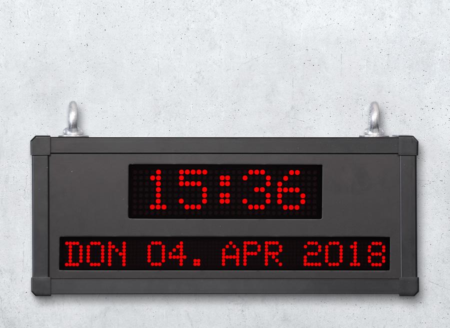 LED Grossanzeige mit Darstellung von Uhrzeit und Datum